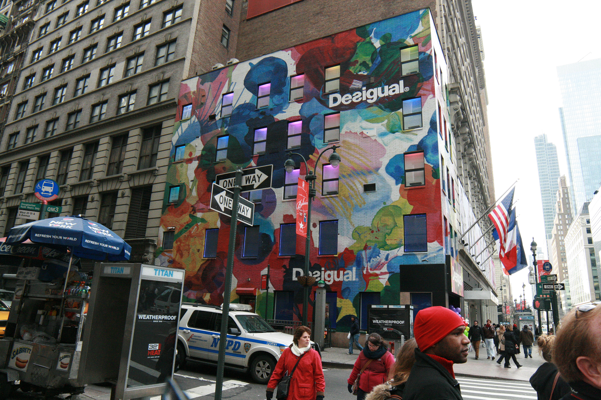 Boutique Desigual New York - 10/12/2011